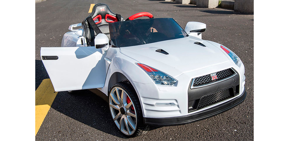 Coches-de-bateria-Nissan--GTR-03-puertas