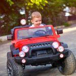 Diferencias entre un coche para niño licenciado y un coche style