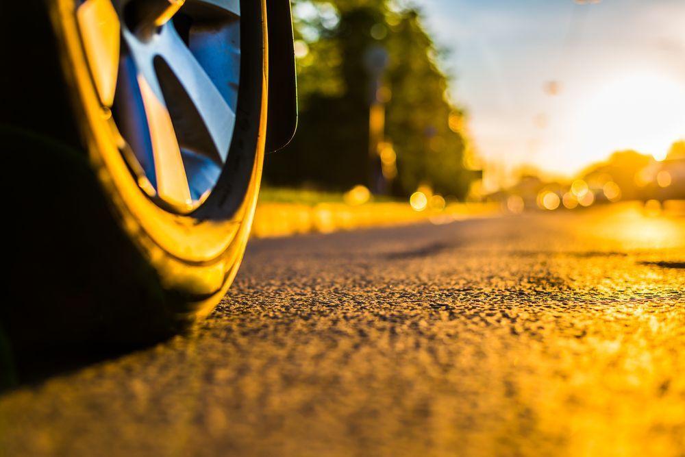 Qué tipos de ruedas pueden tener los coches eléctricos infantiles